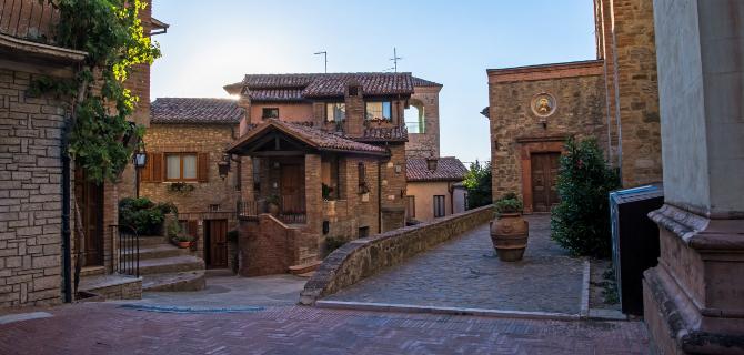 collazzone-centro-storico-piazza